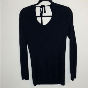 GoldRay double v neck sweater size M